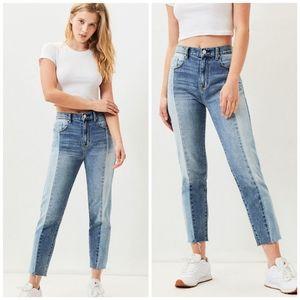 PacSun Koharu Blue Vintage Icon Mom Jeans Size 29.